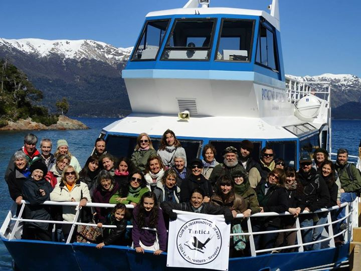 Some members of COA Cauquen Real and COA Tintica, sailing on Lake Nahuel Huapi