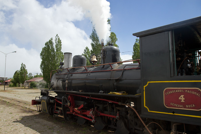 Train for Esquel gathering steam ...